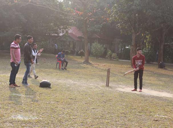 World University of Bangladesh VC Photo Gallery1, Plot # 3/A, Road # 4, Dhanmondi, Dhaka-1205